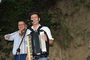 """Mali Iđoš: Grupa """"PutriPop"""" otvorila 19. Domboš Fest - A cikkhez tartozó kép"""