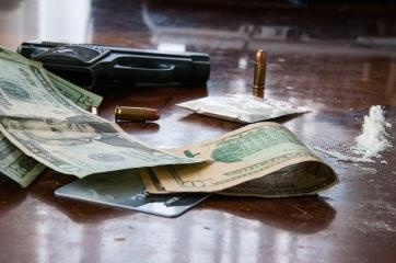 Negyvenmillió forintnyi drogot és fegyvert is találtak egy szerb férfinél - A cikkhez tartozó kép
