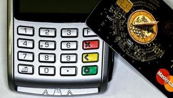 Budimpešta: I bankovnom karticom se može dati milostinja u crkvi - illusztráció