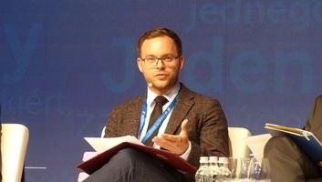 Orbán Balázs: Családbarát fordulatot szeretnénk végrehajtani a Kárpát-medencében - illusztráció