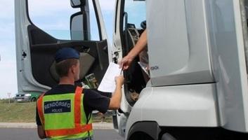 Tehergépkocsikat és buszokat ellenőriznek a jövő héten a magyar közutakon - illusztráció