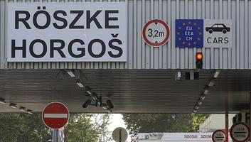 Torlódás alakult ki a Csongrád megyei határátkelőhelyeken - illusztráció