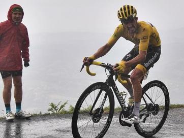 Tour de France: Simon Yates nyerte a 15. szakaszt, Alaphilippe őrzi a sárga trikót - A cikkhez tartozó kép