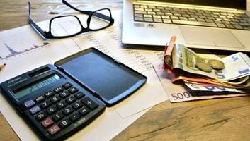 A szerbiai gazdagok fizetése közel tízszerese a legkevesebbet keresők bérének - illusztráció