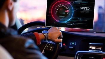 Fokozott ellenőrzés a szerbiai utakon: Fókuszban a biztonsági öv és a gyorshajtás - illusztráció
