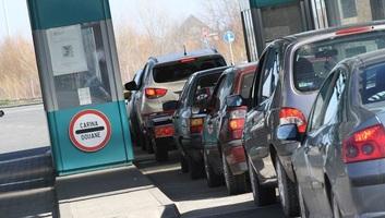 Fokozott forgalom a szerbiai utakon és határátkelőkön - illusztráció