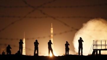 Összekapcsolódott a Nemzetközi Űrállomással a Szojuz űrkabin - A cikkhez tartozó kép