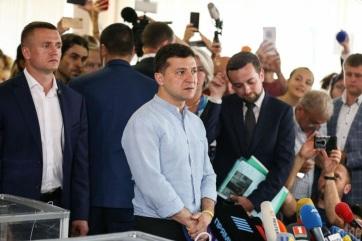 Az első részeredmények megerősítik az új ukrán elnök pártjának nagy arányú győzelmét - A cikkhez tartozó kép