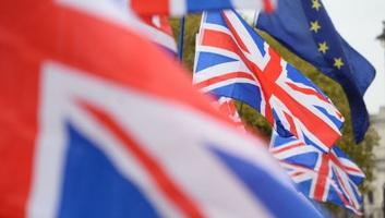 A britek zöme nem örül Johnsonnak, de nem akar választást - illusztráció