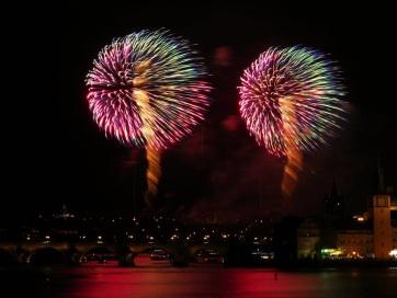 Tűzijáték helyett fényjátékkal fogja ünnepelni az új évet Prága - A cikkhez tartozó kép