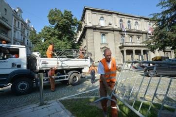 Eltávolították a kordont a szerb elnöki hivatal épülete elől - A cikkhez tartozó kép