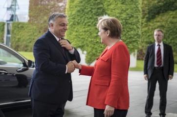 Német kormányszóvivő: Merkel a német újraegyesítéshez nyújtott magyar hozzájárulás iránti nagyrabecsülését fejezi ki Sopronban - A cikkhez tartozó kép