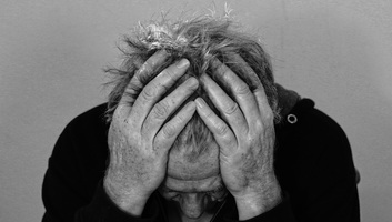 Ötre emelkedett a romániai neuropszichiátriai kórházban elkövetett vérengzés halálos áldozatainak száma - illusztráció