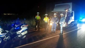 Tragédiát előztek meg a rendőrök Szegednél: Segítettek a zavartan viselkedő szerb sofőrnek - illusztráció