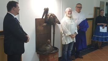 Horgos: Felavatták Fujkin István Hazatérők című szobrát - illusztráció