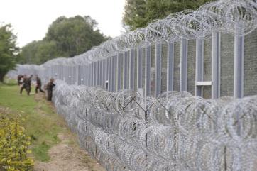Felfüggesztett börtönre ítélték a határzárat megrongáló koszovói férfiakat - A cikkhez tartozó kép