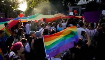 Megtartották a büszkeségnapi felvonulást Belgrádban - illusztráció