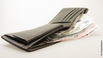 A külföldi pénzátutalások képezik a szerbiai GDP 15 százalékát - illusztráció