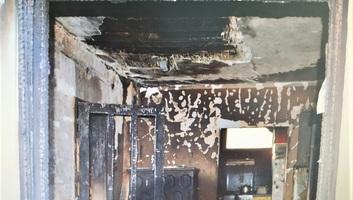 Óbecse: Példátlan összefogással újítják fel a rendőrök társuk leégett házát - illusztráció