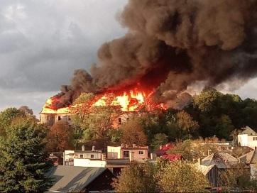 Leégett a felvidéki Osgyán reneszánsz kastélyának tetőszerkezete - A cikkhez tartozó kép