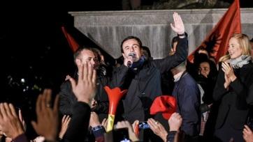 Albin Kurti bejelentette győzelmét a koszovói választáson - A cikkhez tartozó kép