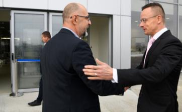 Peter Sijarto: Pozitivni gestovi prema Mađarima u Erdelju bi doprineli jačanju rumunsko-mađarskih odnosa - A cikkhez tartozó kép