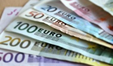 NBS: Háromszor több hamis eurót és dollárt találtak, mint tavaly - A cikkhez tartozó kép
