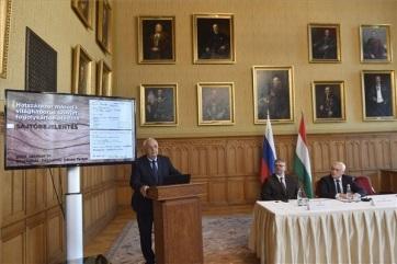 Mađarska: Rusija će isporučiti identifikacione kartone šesto hiljada mađarskih zatvorenika koji su u drugom svetskom ratu odvedeni u sovjetske logore - A cikkhez tartozó kép