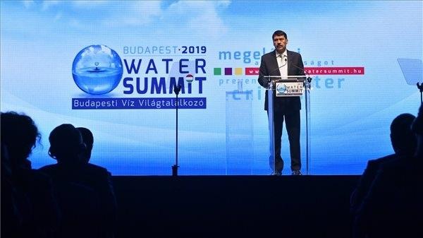 Áder János köztársasági elnök, az esemény fővédnöke nyitóbeszédet mond a Budapesti Víz Világtalálkozó 2019 háromnapos konferencián a Millenáris Parkban, a Magyar Nemzeti Táncszínházban