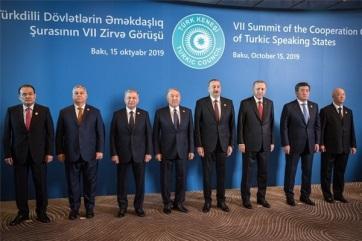 Orban u Azerbejdžanu: Mađarska je karika koja može spojiti Savet turkofonskih država sa Evropom - A cikkhez tartozó kép