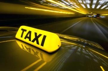Állami támogatás a taxisoknak: Néhány ezer euró tetszőleges márkájú, ám fehér kocsik vásárlására - A cikkhez tartozó kép