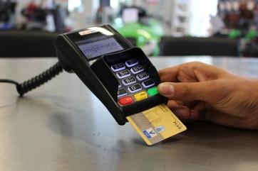 Egyre több szerbiai üzletben lehet bankkártyával fizetni - A cikkhez tartozó kép
