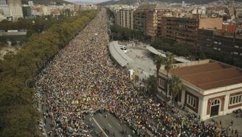 Több mint félmillióan vonultak utcára Barcelonában - illusztráció