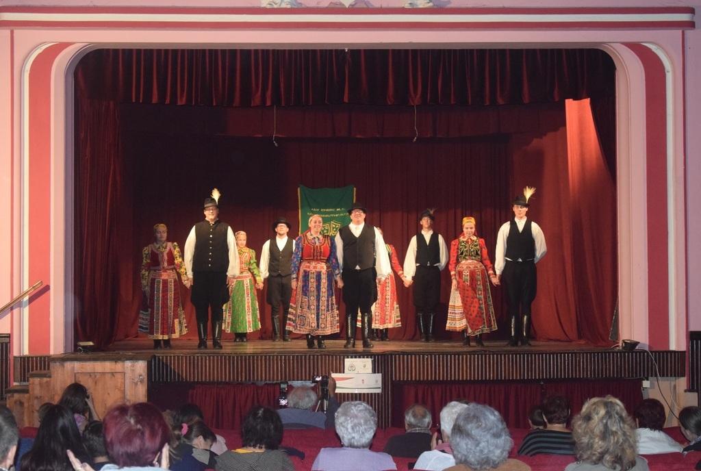 A helybeli Cimborák tánccsoport