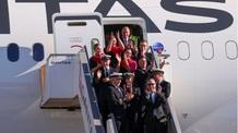 Sikeresen landolt a világ leghosszabb útját megtevő kereskedelmi repülőjárat - illusztráció