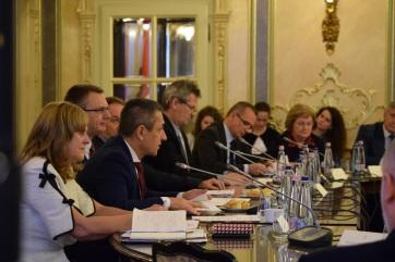 Ülésezett a MÁÉRT oktatási, kulturális, demográfiai és ifjúsági szakbizottsága - A cikkhez tartozó kép