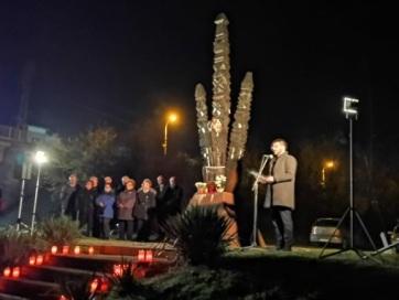 Zenta: A magyarellenes kegyetlenkedések áldozataira emlékeztek - A cikkhez tartozó kép