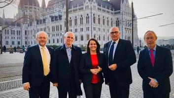 Német képviselők: A Fidesznek a Néppártban a helye - illusztráció