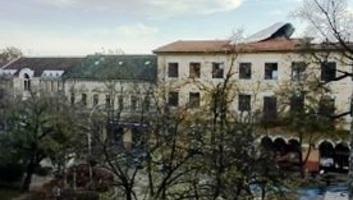 Zenta: Az erős szél megrongálta a bíróság épületének tetőszerkezetét - illusztráció