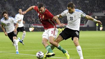 Labdarúgás: Uruguay legyőzte a magyar csapatot a stadionavatón - illusztráció