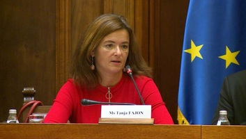 Fajon: A szerbiai választási jogszabályok nem felelnek meg az EBESZ-misszió követeléseinek - illusztráció