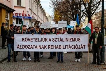 A kárpátaljai magyarok szovjet lágerekbe hurcolására emlékeztek Szolyván - A cikkhez tartozó kép