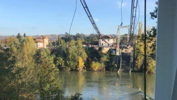 Leszakadt egy közúti híd Franciaországban, halottak - illusztráció