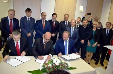 Együttműködési memorandumot írt alá három szlovákiai magyar párt - A cikkhez tartozó kép