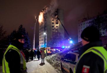 Felvidék: Legalább öt ember meghalt egy toronyházban bekövetkezett gázrobbanás miatt - A cikkhez tartozó kép