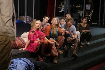Újvidék: Bemutatták a Haj című musicalt - A cikkhez tartozó kép