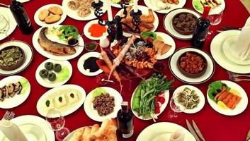Szerbiában a legtöbbet élelemre, Európában a számlákra költenek - illusztráció
