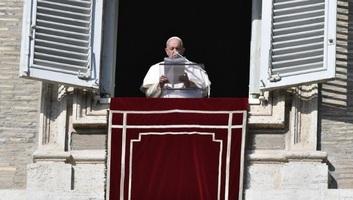 Ferenc pápa: A jócselekedetnek nincsen szüksége reklámra - illusztráció
