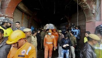 Tűz pusztított egy újdelhi piacon, több mint negyvenen haltak meg - illusztráció