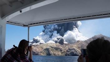 Kitört Új-Zélandon a fehér-szigeti vulkán - illusztráció
